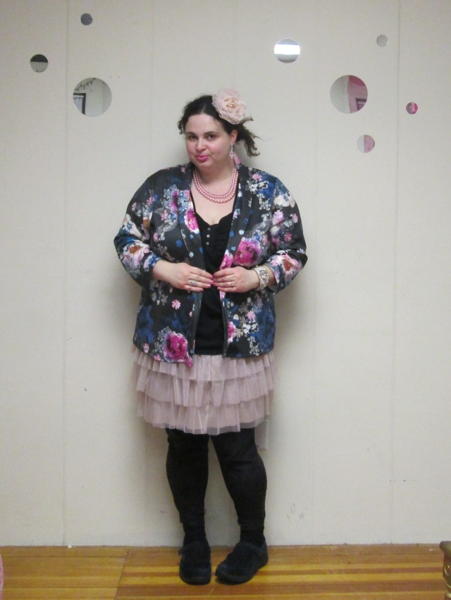 plus size outfit floral blazer and tutu tulle skirt